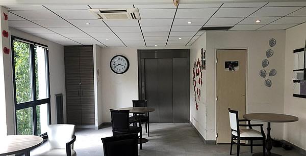 Rénovation EHPAD de l'-Union Belge - salle à mager - face à l'ascenceur, avant les travaux